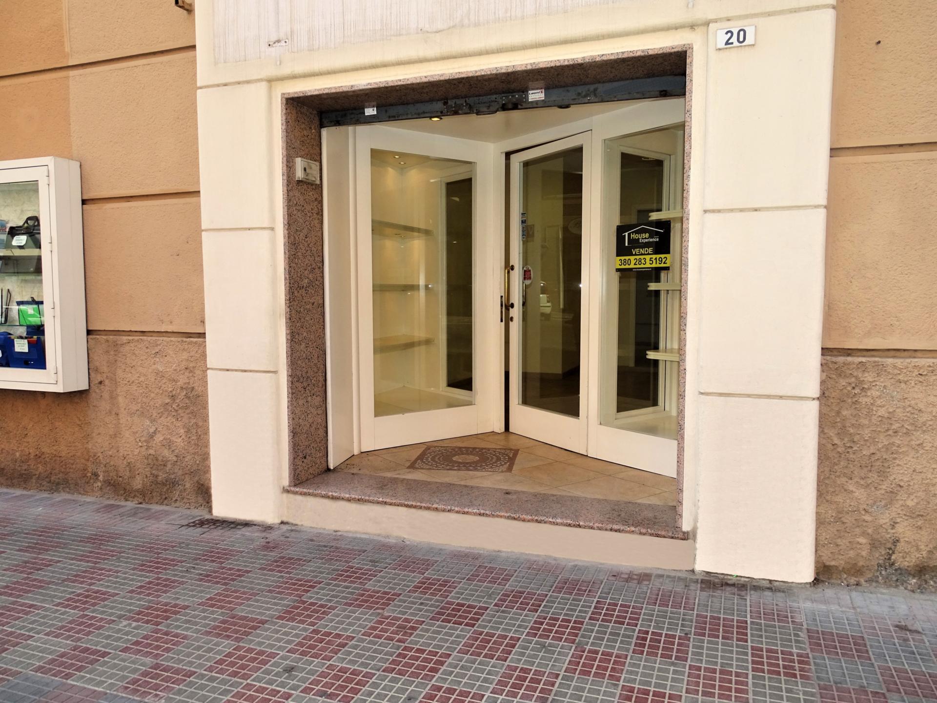 Via Cocco Ortu – Locale commerciale di 60 mq