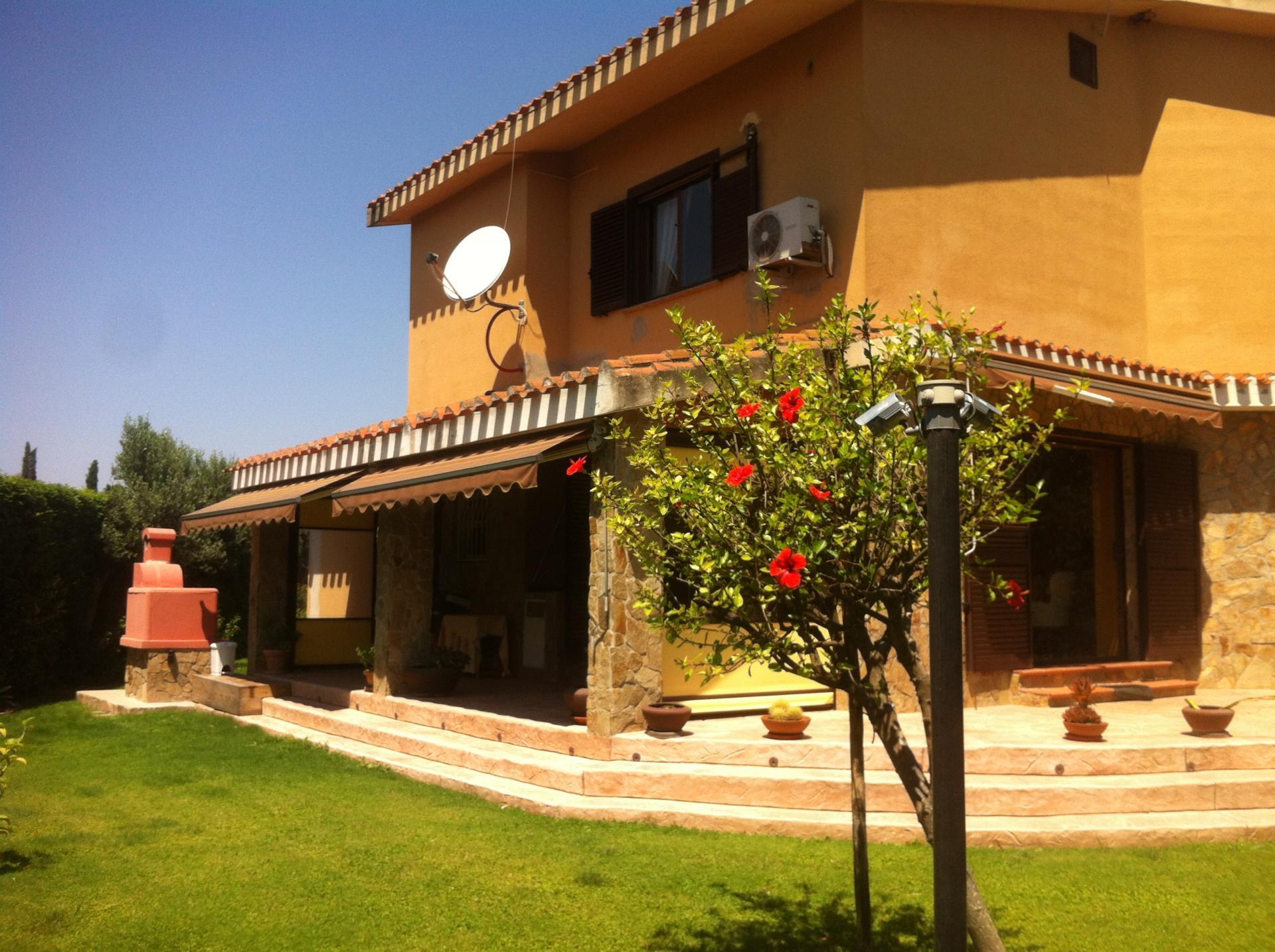 Margine Rosso – Villa con giardino